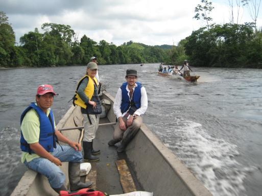 Colombie_Déplacement des observateurs en chaloupe2©PWS2010
