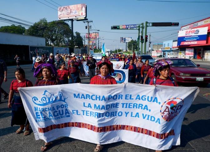 Landesweiter Marsch im Zeichen des Wassers